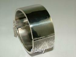 1883 VICTORIAN SOLID STERLING SILVER HINGED BANGLE BRACELET 28 g SUPER EXAMPLE