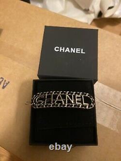 Chanel vip gift hair clip