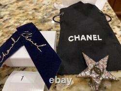 NEW CHANEL CC Logo SWAROVSKI CRYSTAL Brooch Pin STAR Dress Set Gift DUST BAG BOW